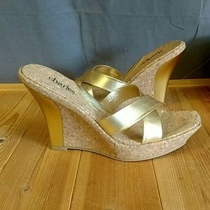 Change by Charles David platform Wedge Cork Gold